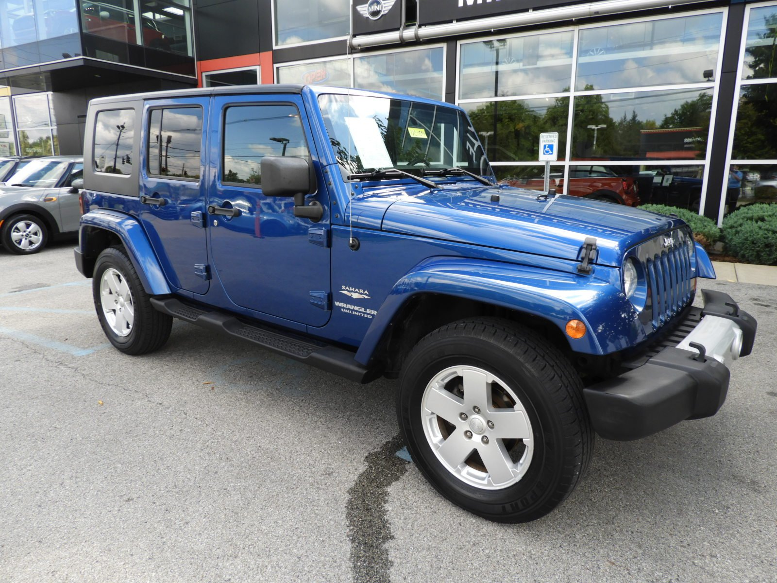 Pre Owned 2010 Jeep Wrangler Unlimited Sahara