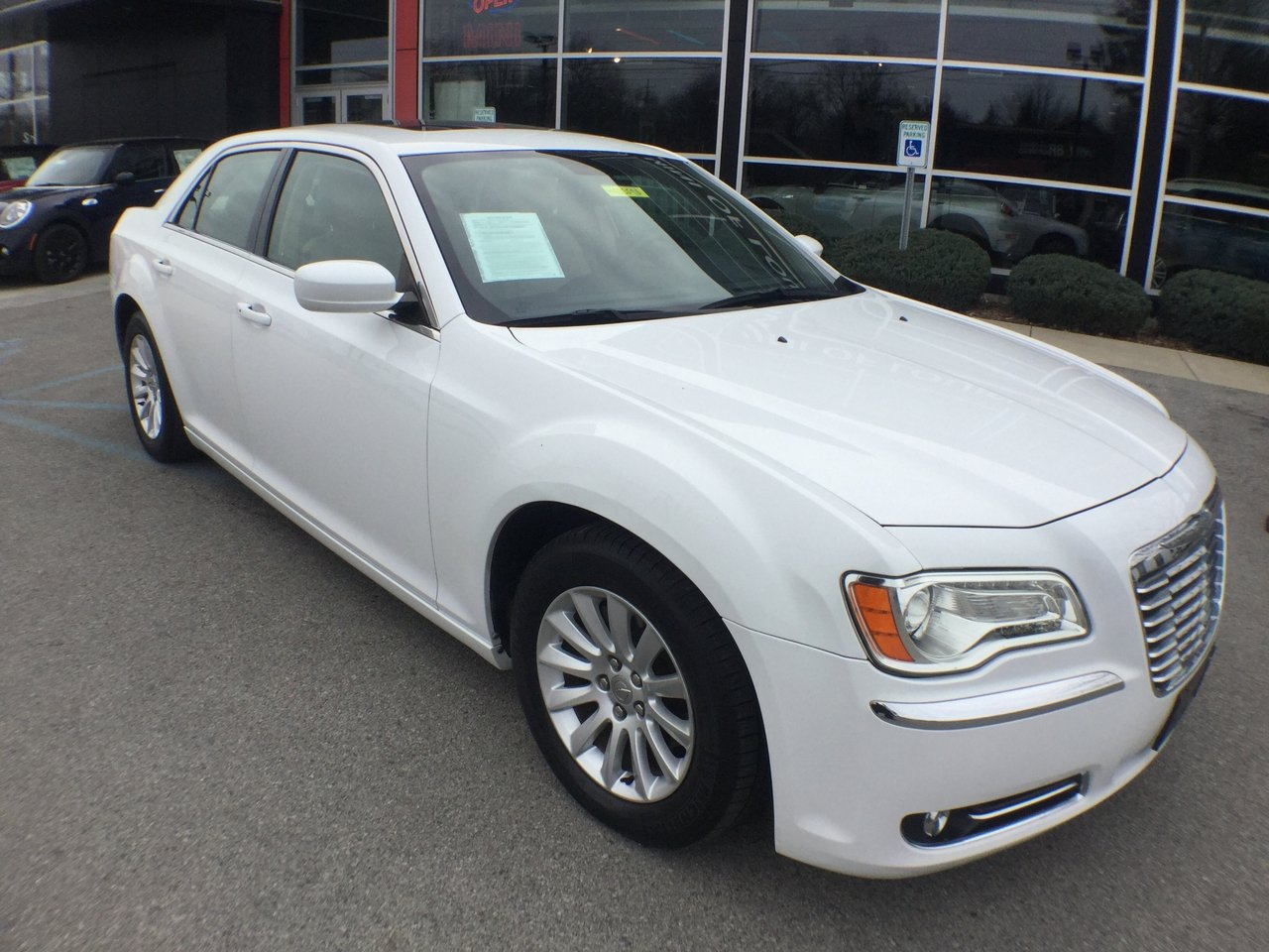 Pre Owned 2013 Chrysler 300 4dr Car In Louisville Mn3359b